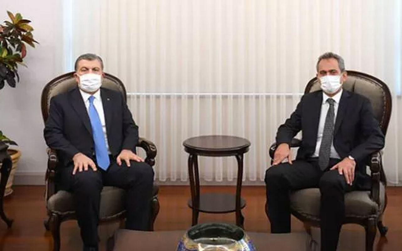 Bakan Fahrettin Koca'dan yeni Milli Eğitim Bakanı Mahmut Özer'e ziyaret