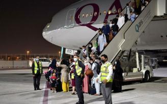 Dünya bu anı bekliyordu! Kabil'den ilk sivil yurtdışı uçuş 113 yolcuyla yapıldı