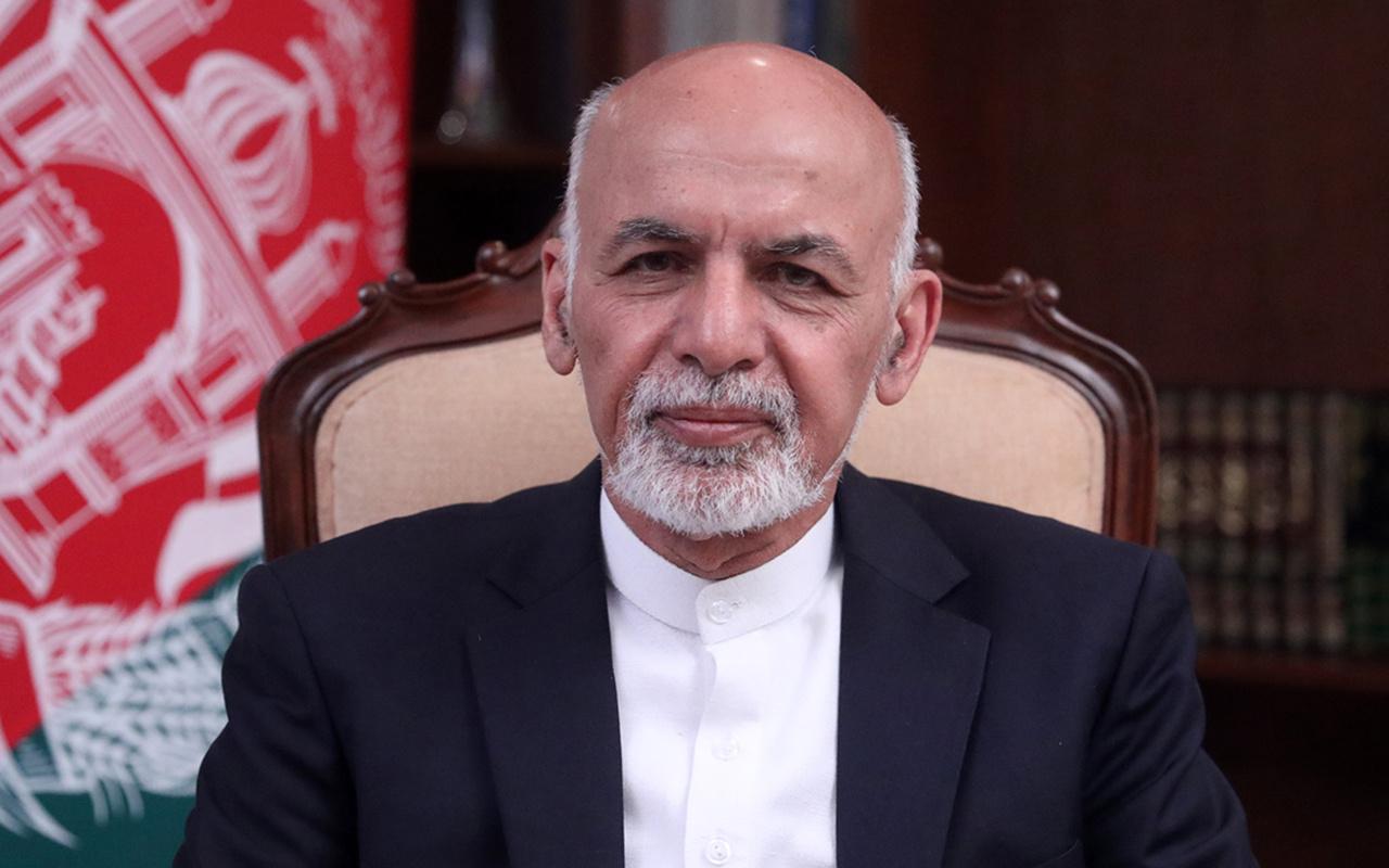 Eski Afganistan Cumhurbaşkanı Eşref Gani ülkeden ayrıldığı için Afgan halkından özür diledi