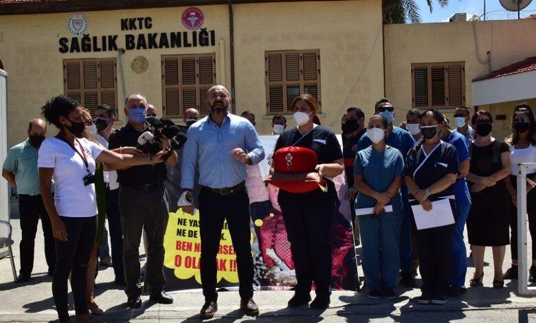 KTAMS, Sağlık Bakanlığı önünde eylem yaptı